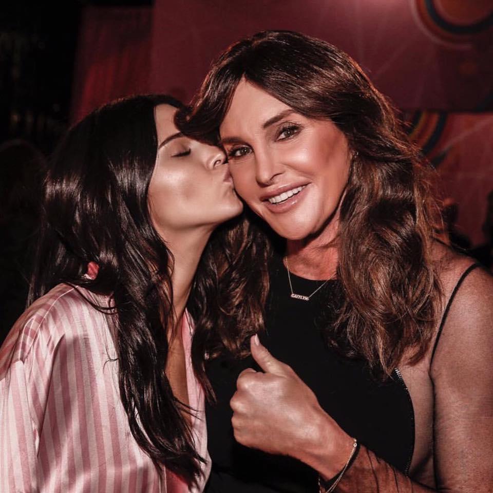 Kendall mit ihrem Vater Bruce Jenner, welcher heute als Frau unter dem Namen Caitlyn Jenner lebt. /// Photo: instagram.com/caitlynjenner/